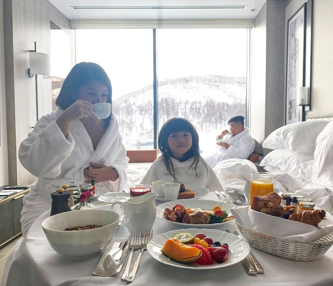 Breakfast in bed at Niseko